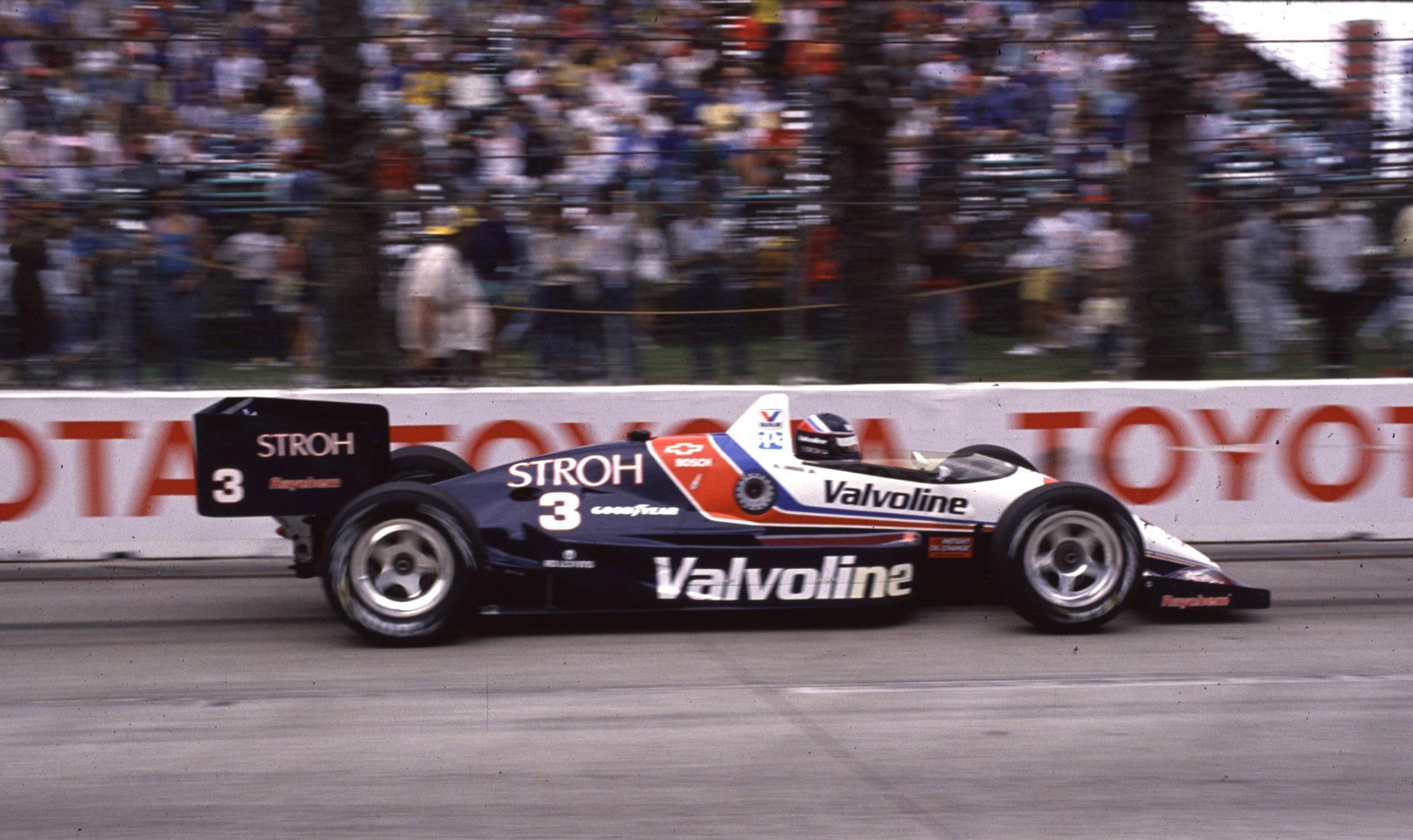 Unser Jr. ganó cuatro veces con Galles Racing y dos con Team Penske.