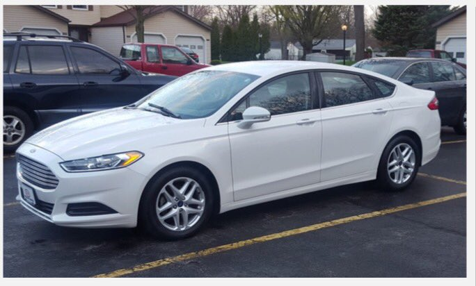 Actual photo of Steve Stephens, homicide suspect's, actual vehicle. Please call 9-1-1 if seen. Plate not yet available. https://t.co/hn8a8nQEAP