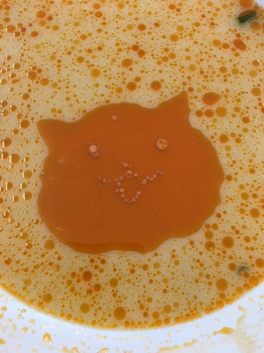 これが本当の油絵wラーメンに浮く油でスープにお絵かきしてみたwww