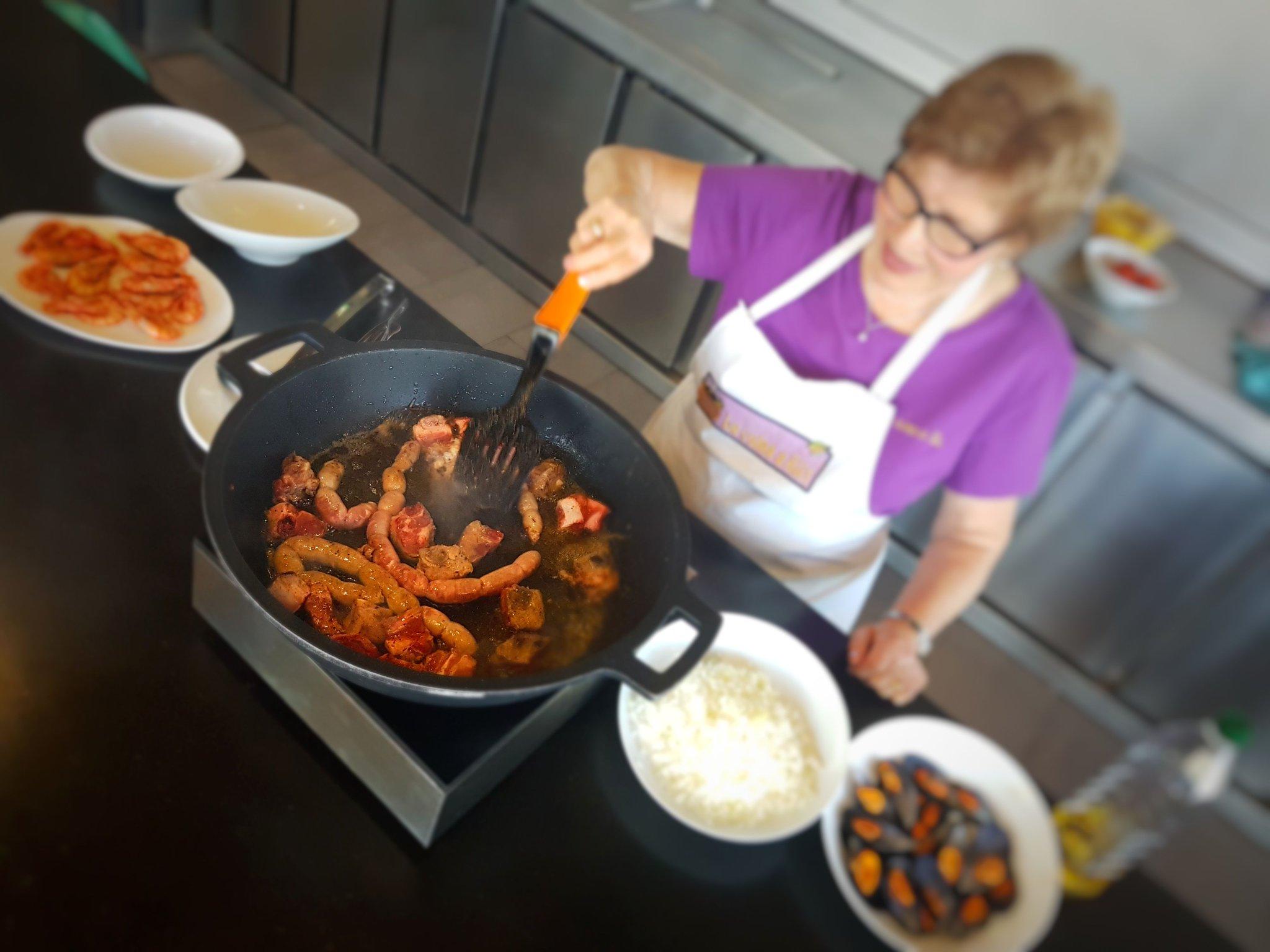 Watching the rice expert of Hostalric work her magic #InCostaBrava @domussentsovi #Cooking #Foodies https://t.co/ufTULpreZg