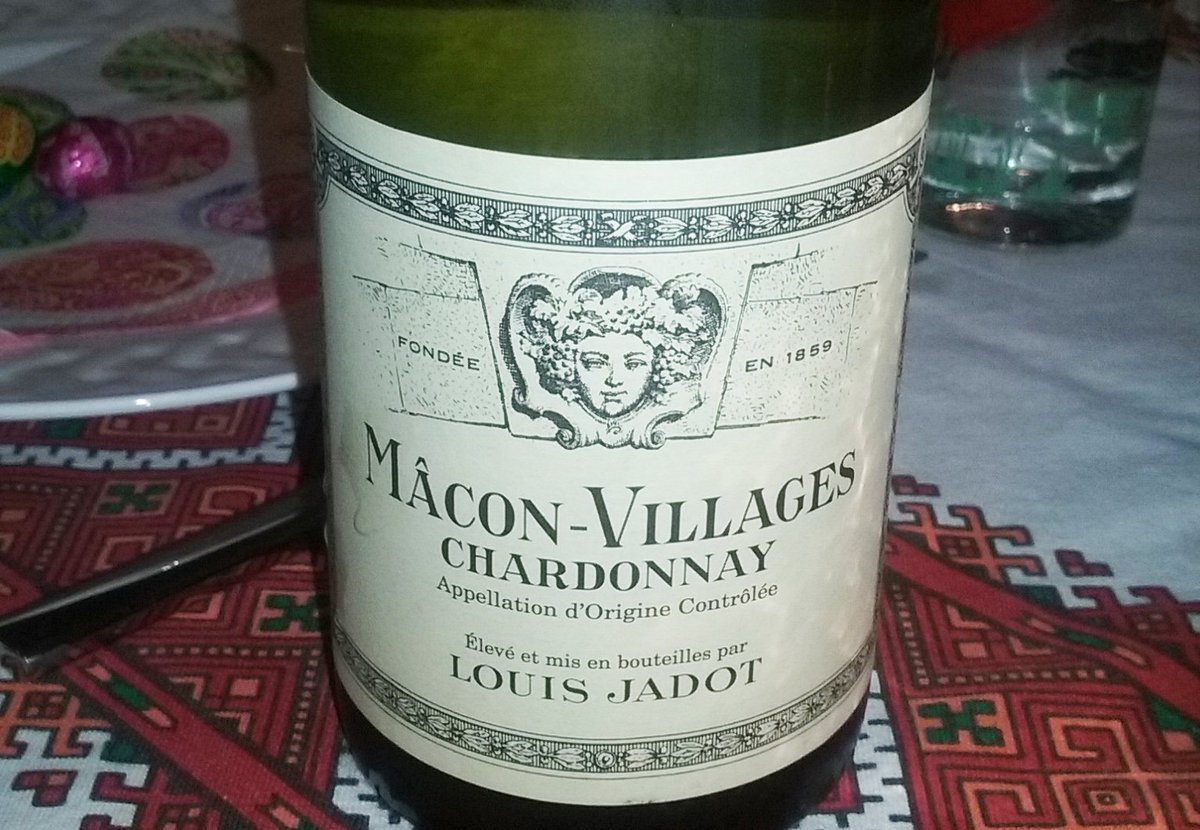 Lovely, inexpensive white #Burgundy from #Jadot at Easter lunch though bet the French version doesn't have #Chardonnay on the label.<br>http://pic.twitter.com/01icqKsMUL