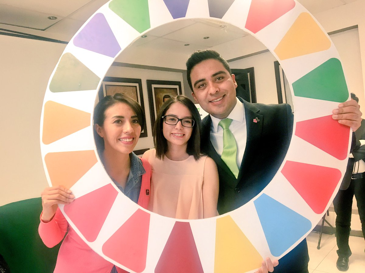 Felicidades @fj_Carrasco Campeón mundial #Planet5050 @UNWOMEN4Youth #HeForShe Such an inspiration for the youth! https://t.co/9AfLoLPO2o