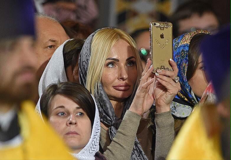 """Послештрихи  к гундяевскому праздничку: как путинские типа """"верующие блондинки"""" пытаются показать боженьке,какие они...."""
