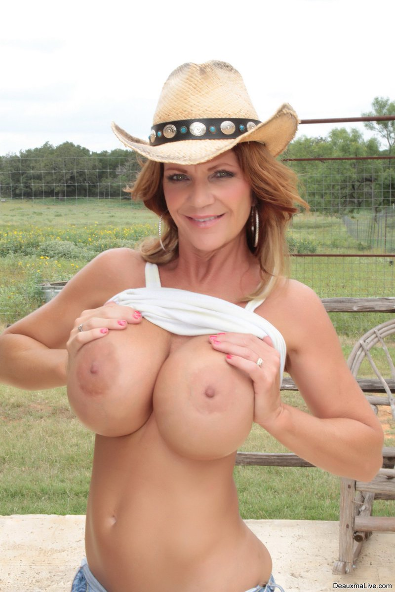 going nude in texas