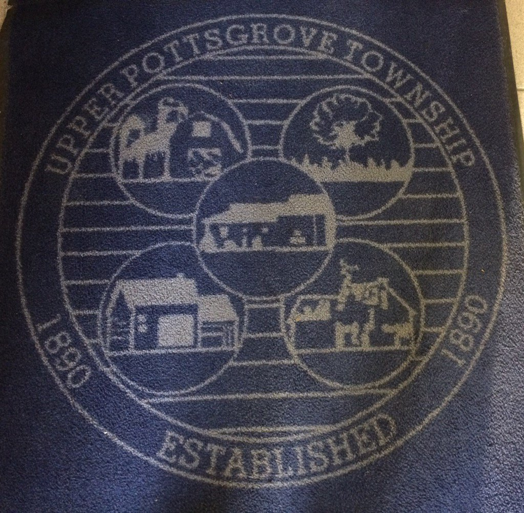 I'll be Tweeting from Upper Pottsgrove Township Commissioners tonight. Follow along here if you're bored. https://t.co/Zphc4rIsch