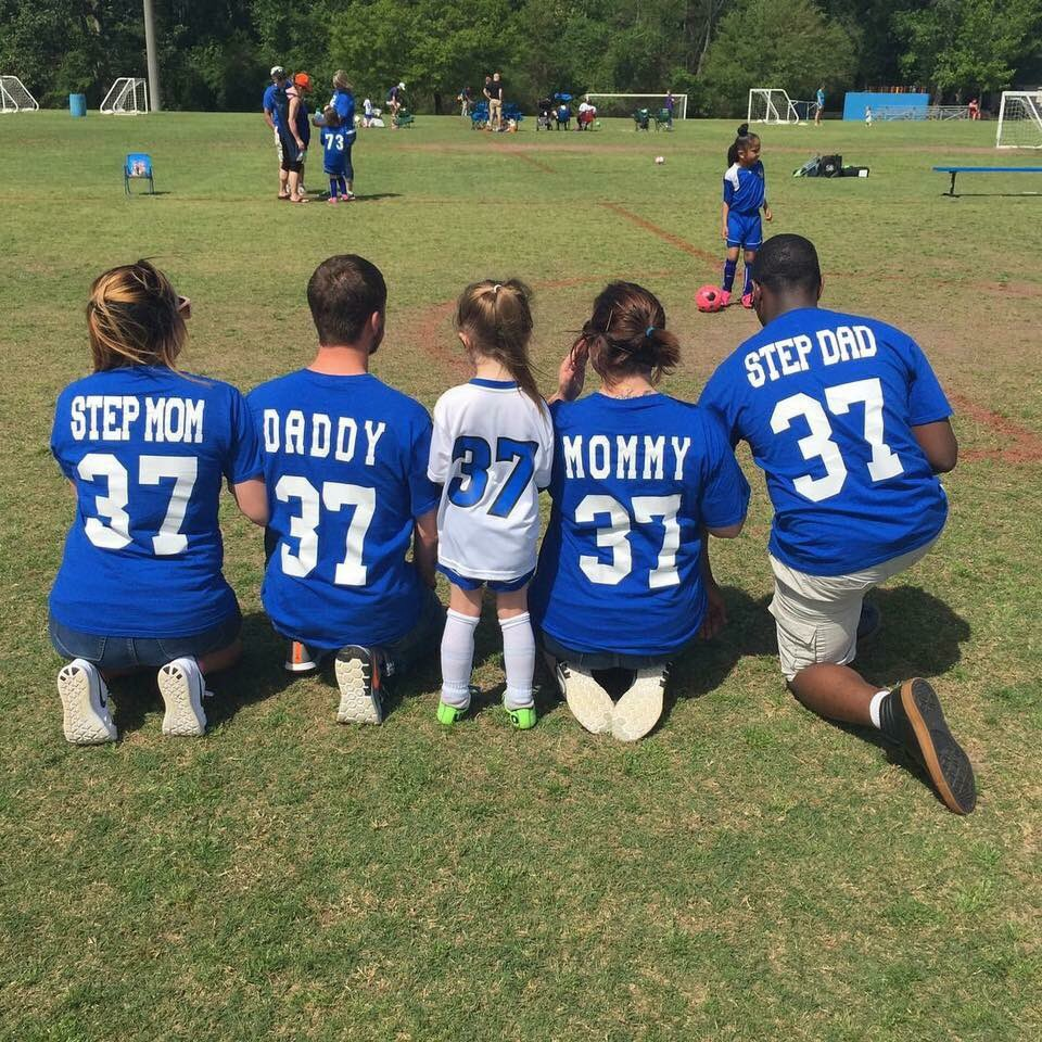 This Little Girl's Whole Squad Came To Her Soccer Game And People Are Seriously Obsessed With The Photo