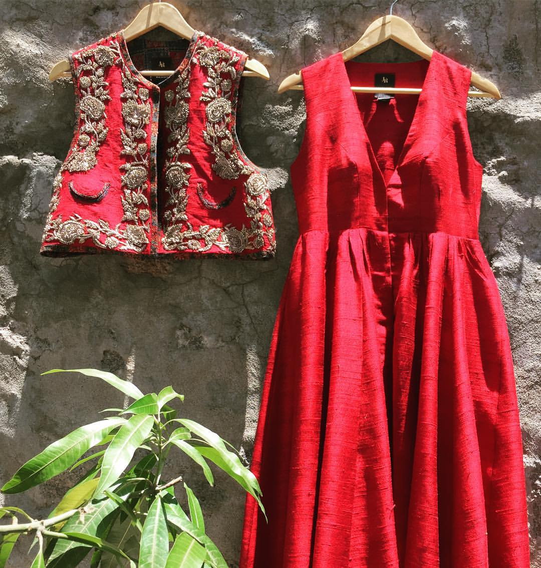 Fiery red! A sleeveless maxi with an embroidered waist coat! Contact to place your order.   +917330687770 Jayantireddyofficial@gmail.com   jayanti reddy  jayanti reddy label
