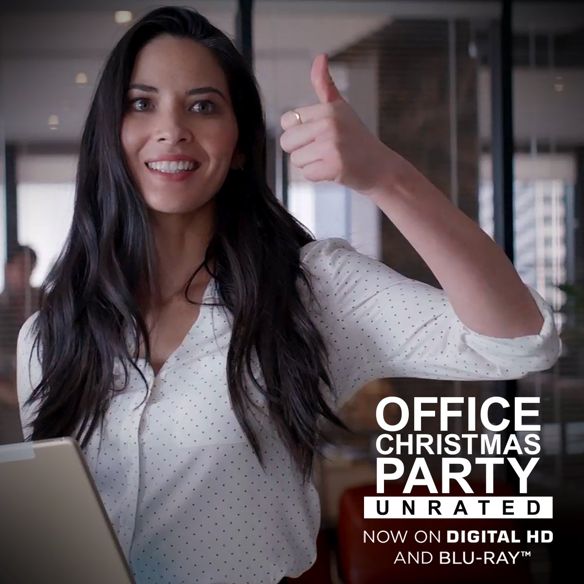 The smile that means you want to kill your boss. Office Christmas Party UNRATED is now on Digital HD and Blu-ray™. https://t.co/cePL5GuibB https://t.co/cJ6glJBw67