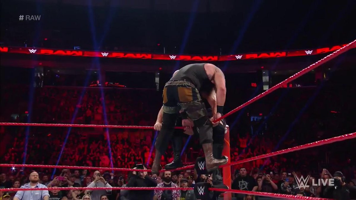THIS. JUST. HAPPENED! #Raw @BraunStrowman @WWETheBigShow