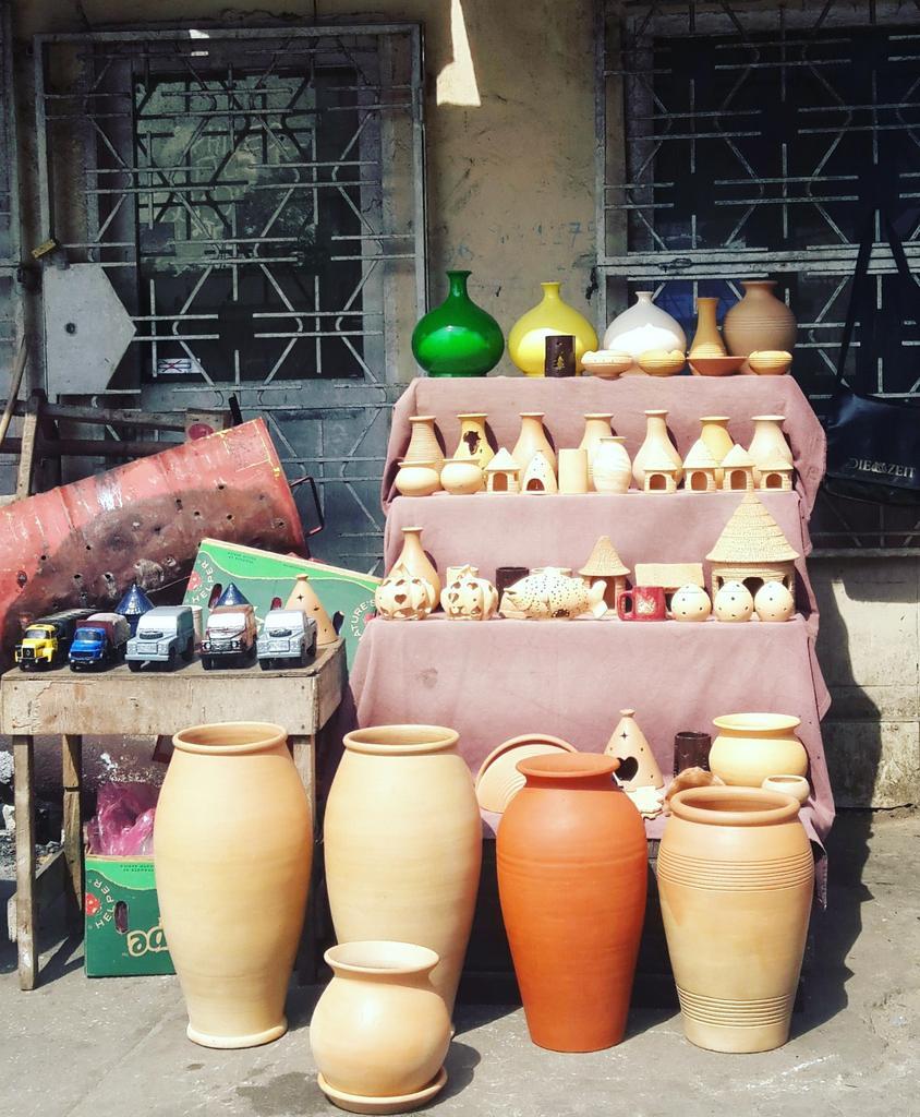 Soutenons l'art. Faites un tour au marché plateau à Pointe noire, et à brazzaville #chezmoiaucongo #art