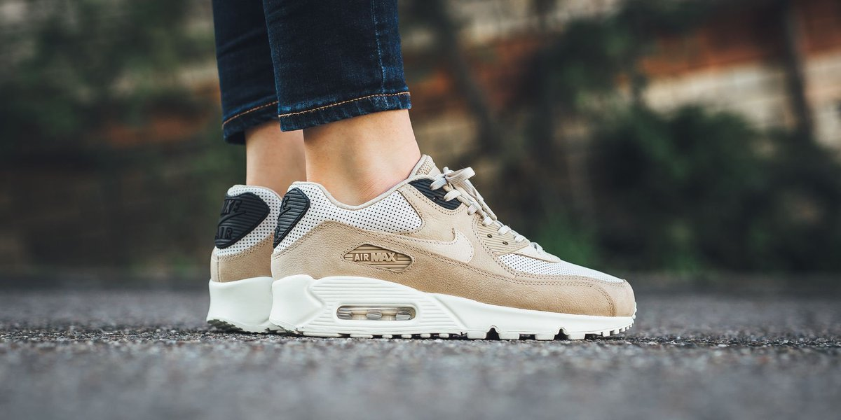 TITOLO on Twitter: NEW IN! Nike Wmns Air Max 90 Pinnacle