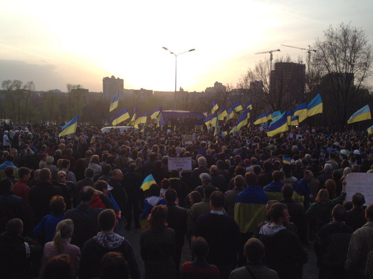 В Петербурге задержали активиста во время одиночного пикета против нарушения прав человека в оккупированном Крыму - Цензор.НЕТ 7871
