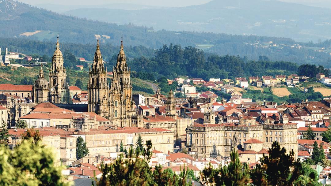 After a bit of TRUE Spanish Culture? #Vigo, Spain! 3 night mid-May Flights &amp; 4 star Hotel - £139pp!! Ariba Ariba!!  http:// theholidayNInja.com  &nbsp;  <br>http://pic.twitter.com/DSOZIRWhuS