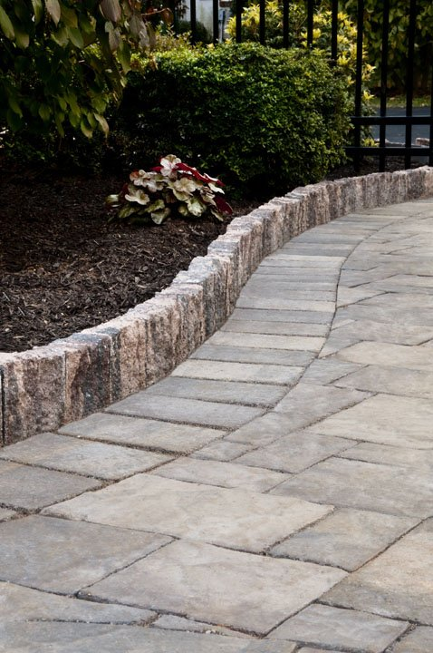 Cst Pavers On Twitter Like Everything Looking Orderly Keep Your Lawn Or Walkway And Mulch Neat Clean Separate Them With Edgestone