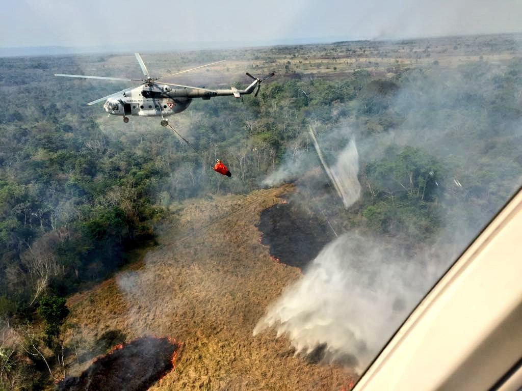 México envía ayuda a Guatemala para combatir incendios