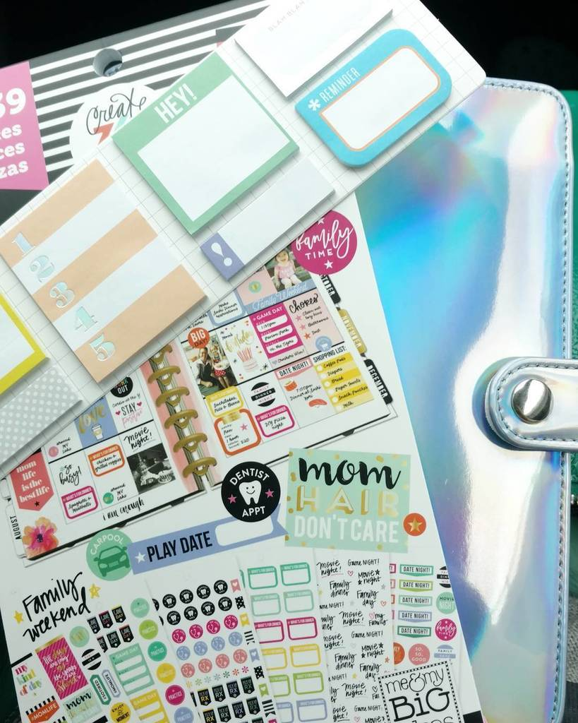 I can&#39;t believe that my #michaelscraftstore had the iridescent planner, iridescent tiny stick notes, AND the mom l…  http:// ift.tt/2nZEAaZ  &nbsp;  <br>http://pic.twitter.com/KfUyDex1pf