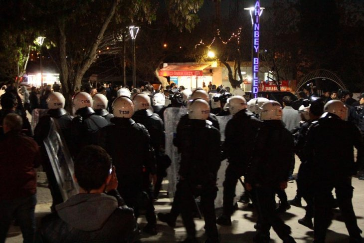 9 have been detained in Gaziantep during #TurkeyReferendum protests