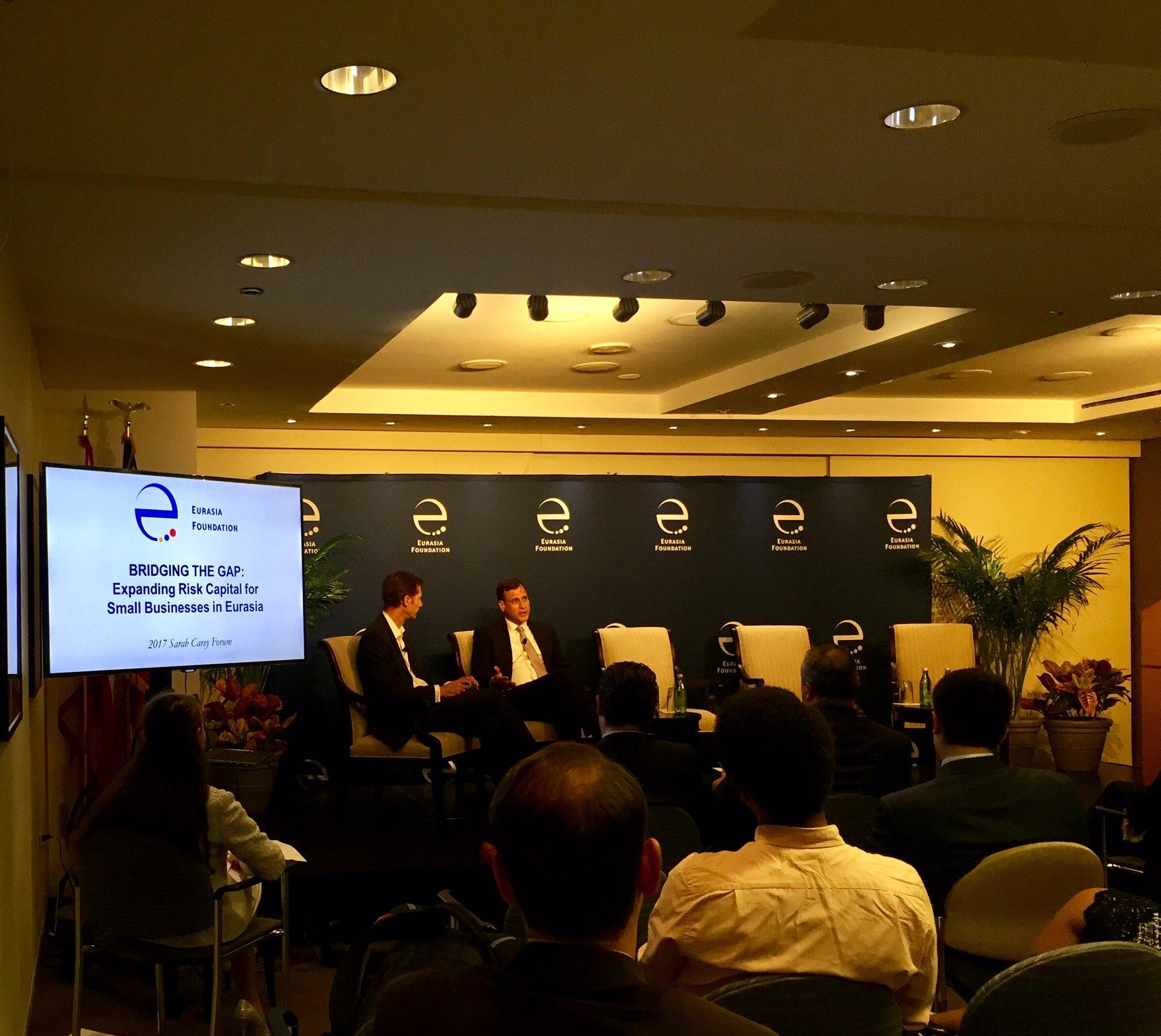 WSJ's Dan Keeler and OPIC's John Didiuk discussing #impactinvesting & #EmergingMarkets at @EFNetwork #EFImpInv https://t.co/elNQSfZxGn