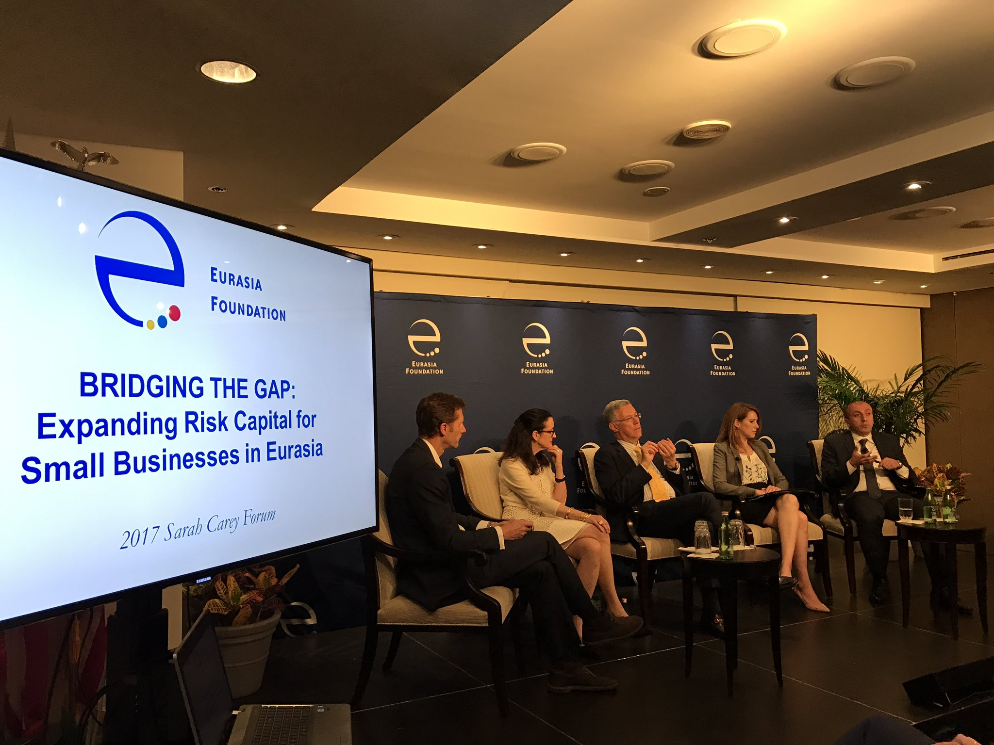 @EFNetwork DCM talking on business environment and investment incentives in Georgia https://t.co/B1IS0kJx5O