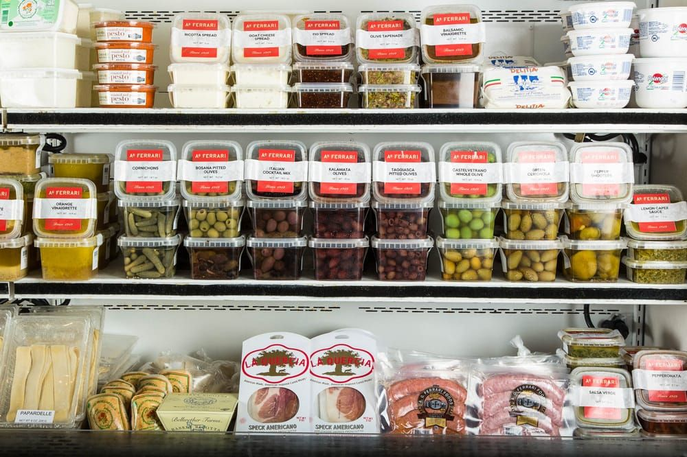 AG Ferrari is closing all four of its delis to focus on packaged food https://t.co/JQfAIituZV https://t.co/Sc2PdnDOKn