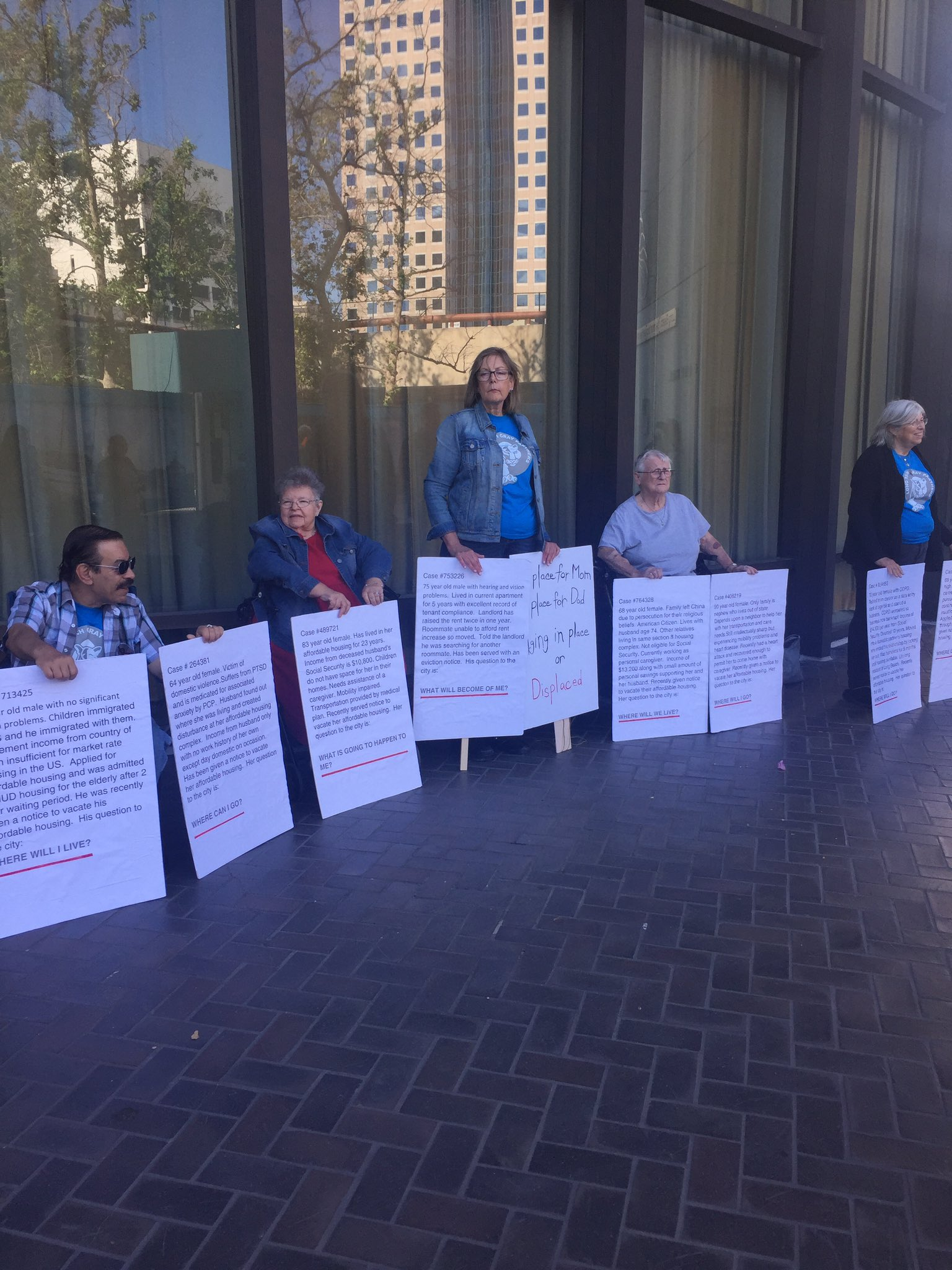 .@daily49er Renter's rally demonstration taking place outside of the city council chambers in downtown #LongBeach #49erNow https://t.co/OvKAIYRo5Q