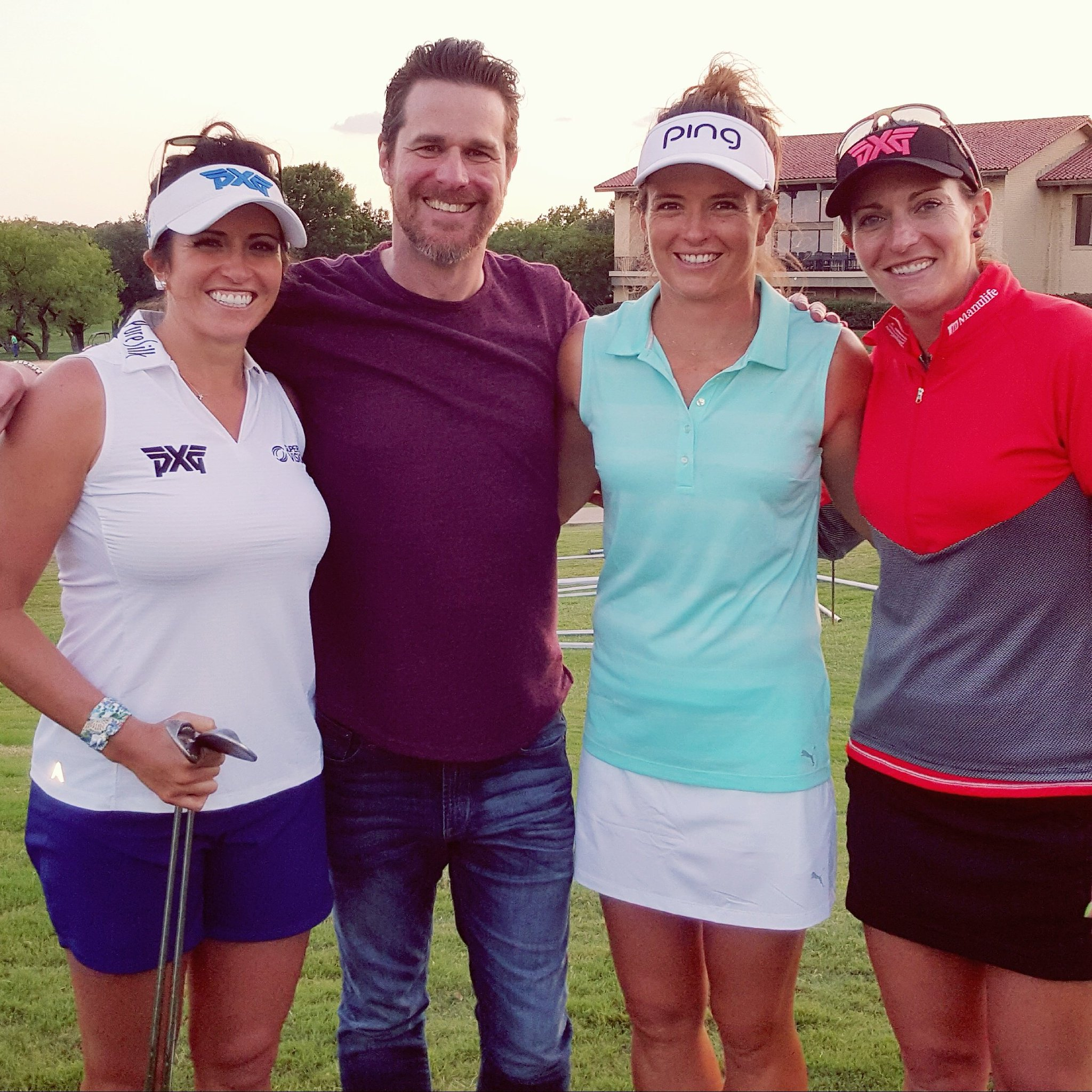 Hanging with @Gerinapiller @JoannaKlatten & #BrittanyLang at the #LPGATxShootout in @thecityofirving! https://t.co/jQVmSVlKEV