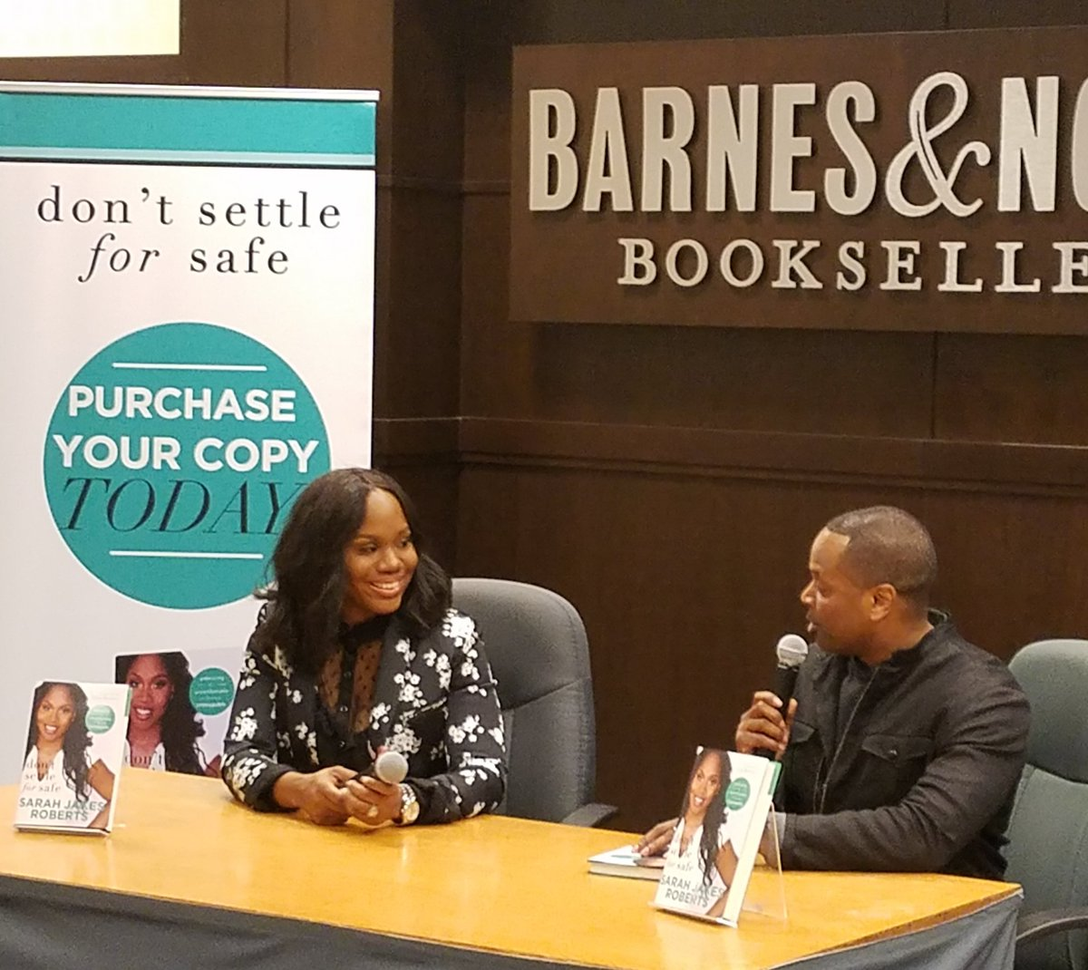 Barnes Noble Events The Grove On Twitter Happening Now