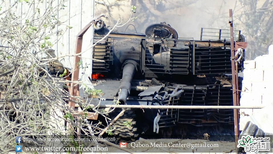 الوحش الفولاذي لدى قوات الجيش السوري .......الدبابه T-72  - صفحة 3 C9w_bbIXkAAnZl2