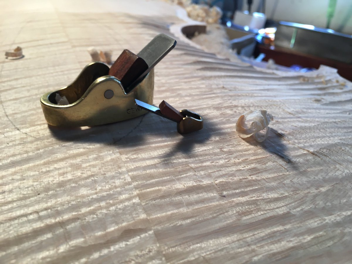 #Luthiers use finger planes to achieve the right depth in the #wood so instruments vibrate correctly. #violin #cello  http://www. BenningViolins.com  &nbsp;  <br>http://pic.twitter.com/8nXmS0Hozh