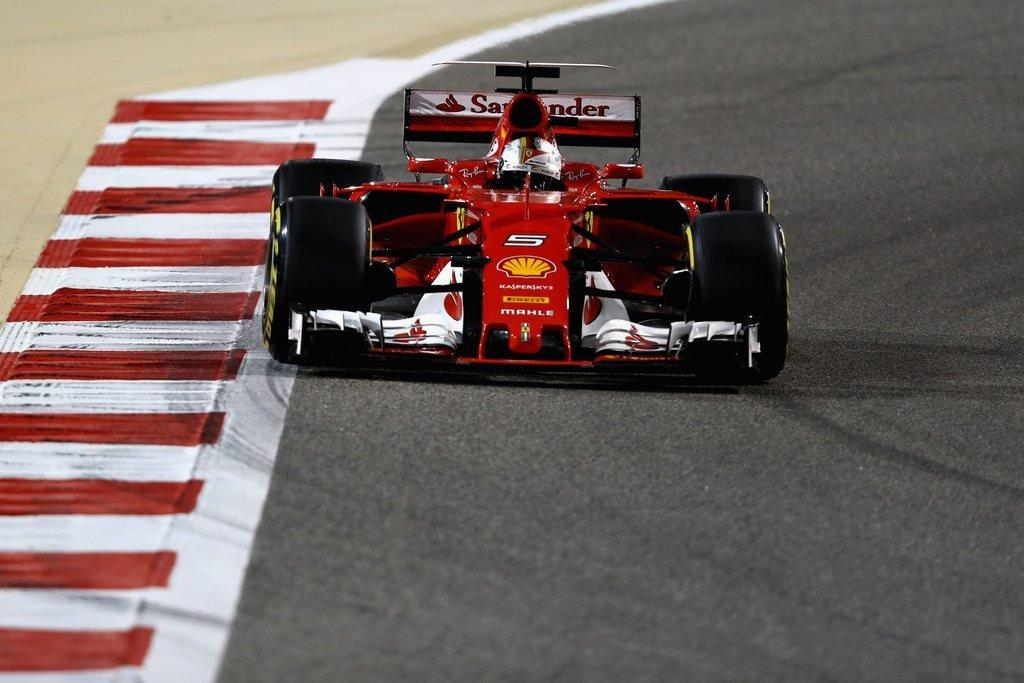 #Ferrari's #Sebastian_Vettel wins Bahrain Grand #Prix ahead of #charging_Lewis_Hamilton | The National #sortechs_test<br>http://pic.twitter.com/oEE6yYaLLc