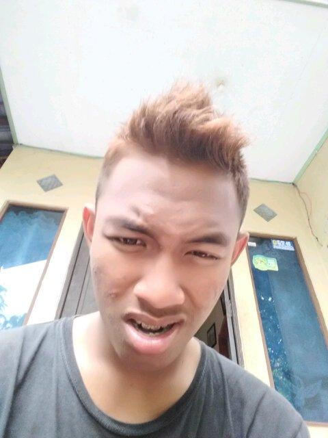 Maafkan muka saya #handsome #ganteng #menstyle #gantengindo #selfymenpic.twitter.com/fUhL9Z9HVK