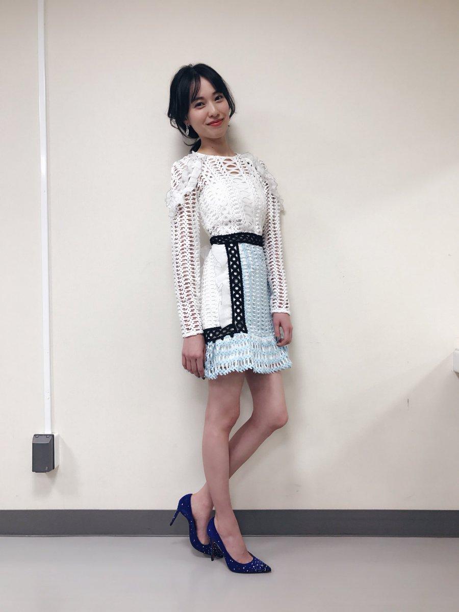 美脚な戸田恵梨香