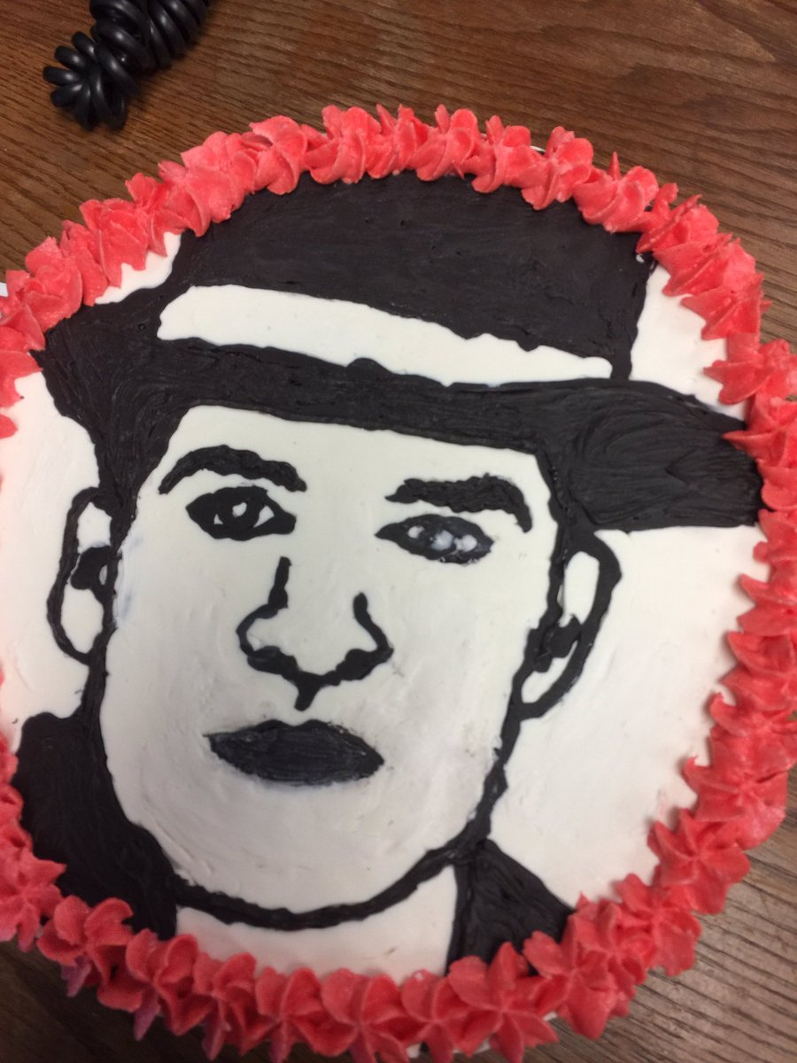 Swell Ri On Twitter My Coworker Made Me A Brendon Cake For My Personalised Birthday Cards Veneteletsinfo