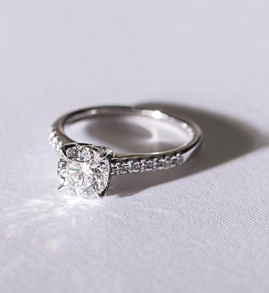 Frank Co On Twitter Let The Ethereal Glow Of Our Diamond Brigthen Both Your Day And Night Franknco Jewellery Ring Classic