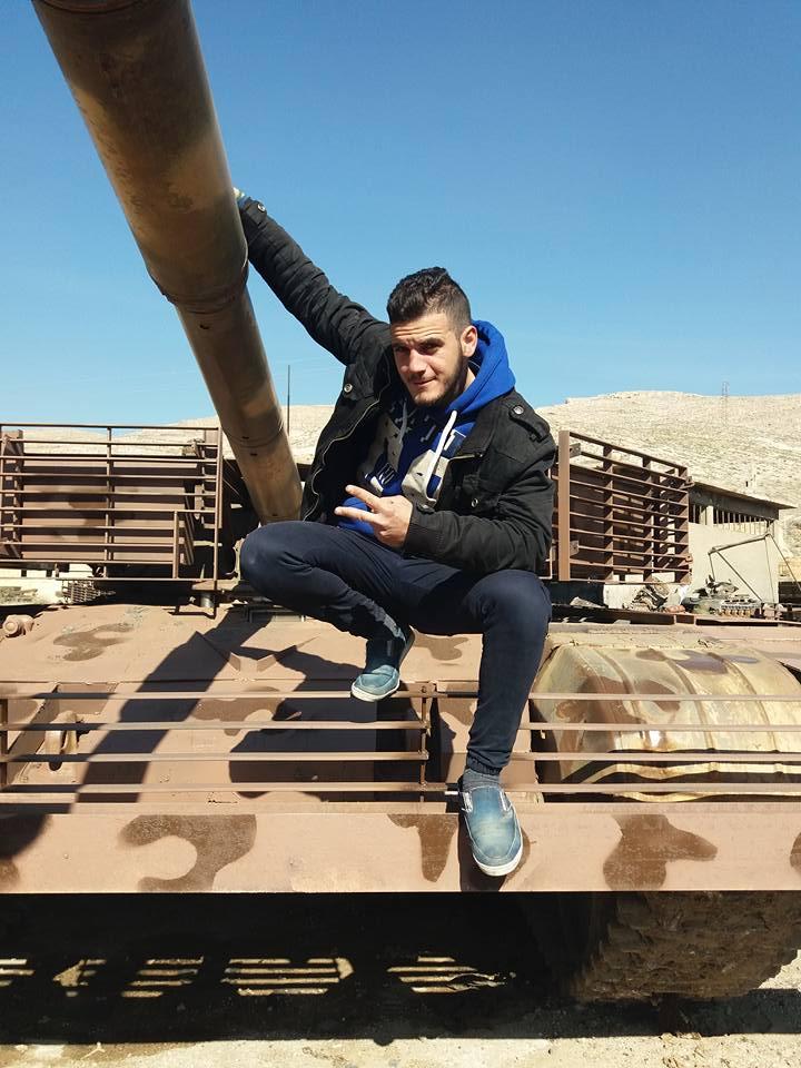 الوحش الفولاذي لدى قوات الجيش السوري .......الدبابه T-72  - صفحة 3 C9xivISW0AEaQtW