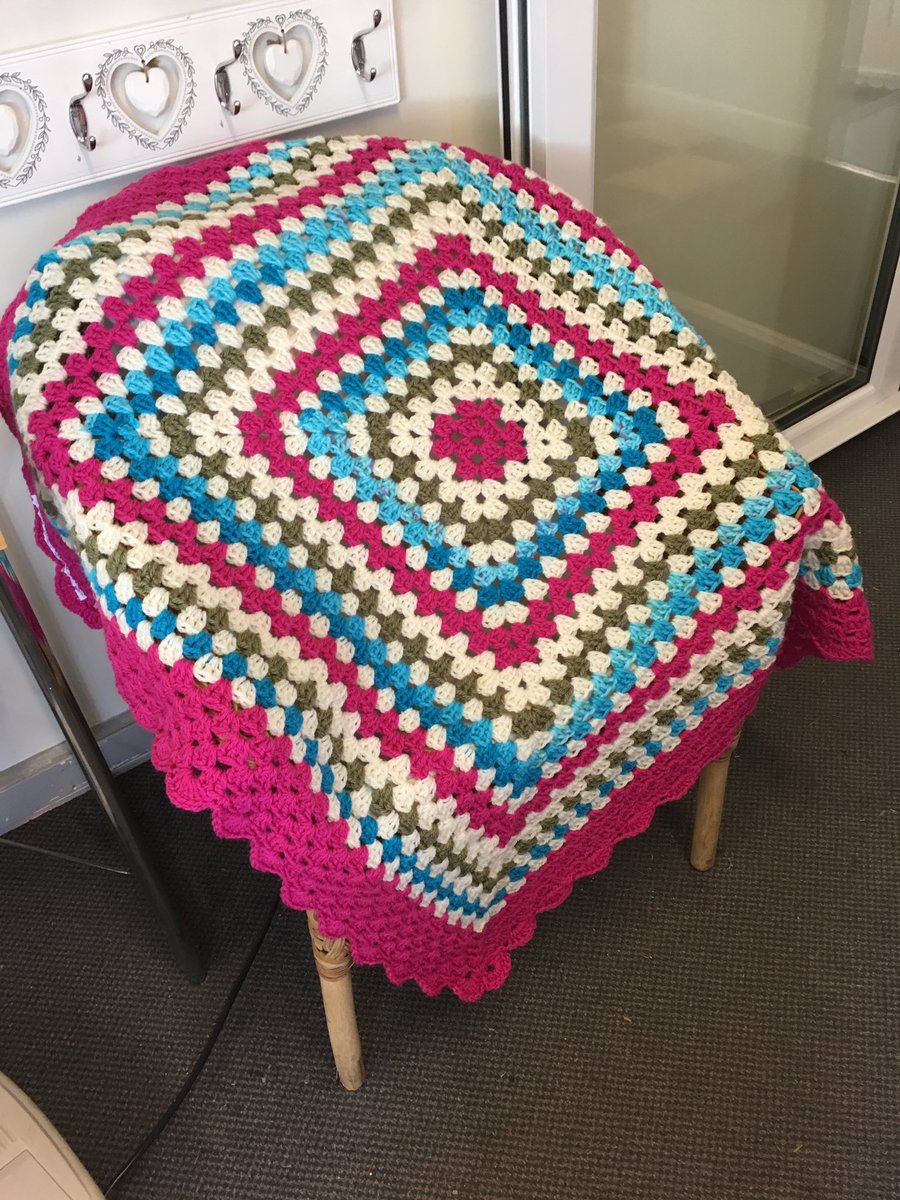 Gorgeous colours in this large Granny square blanket made In Aran weight yarn #HandmadeHour #babyshower #crochet #babygift #blanket <br>http://pic.twitter.com/1KsqWVa1zk
