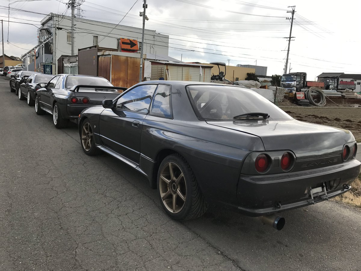 gtr r32 are prepared for shipping to their new owners in usa and japan jdm http www japan partner com auction nissan skyline cars for sale html