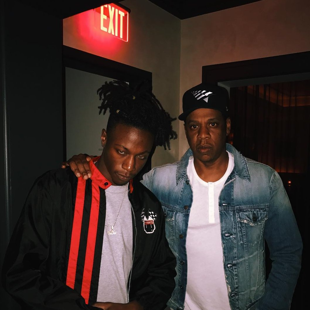 When you run into Hov but you a lil shmizz #brooklyn https://t.co/Ky5aTrgXIi