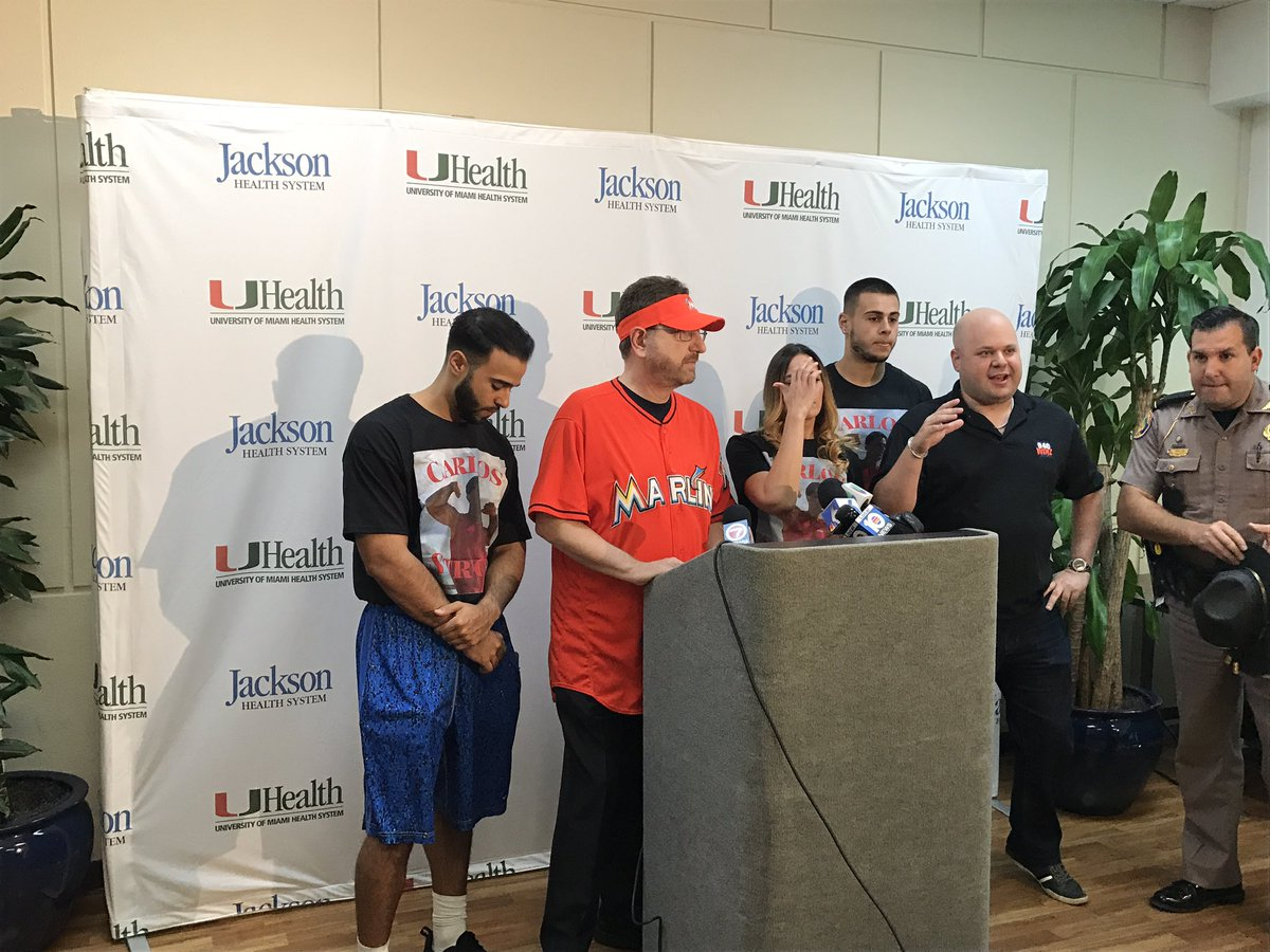Ian Margol On Twitter Marlins Man Giving A Generous Gift To Fhp Trooper Carlos Rosario Who Wa By Car The Dolphin Expwy