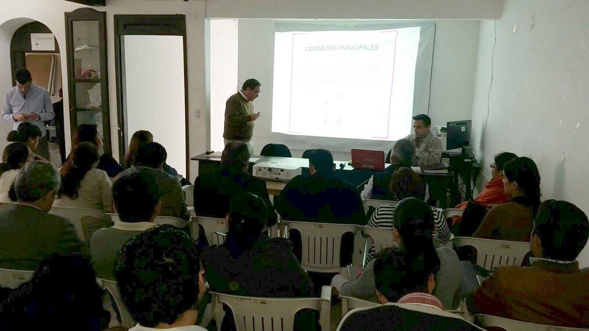 """OPLE Coatepec on Twitter: """"@OPLE_Coatepec en Curso de capacitación sobre Cómputo Municipal, con los consejos de #Xico #Banderilla #Tlalnelhuayocán ..."""