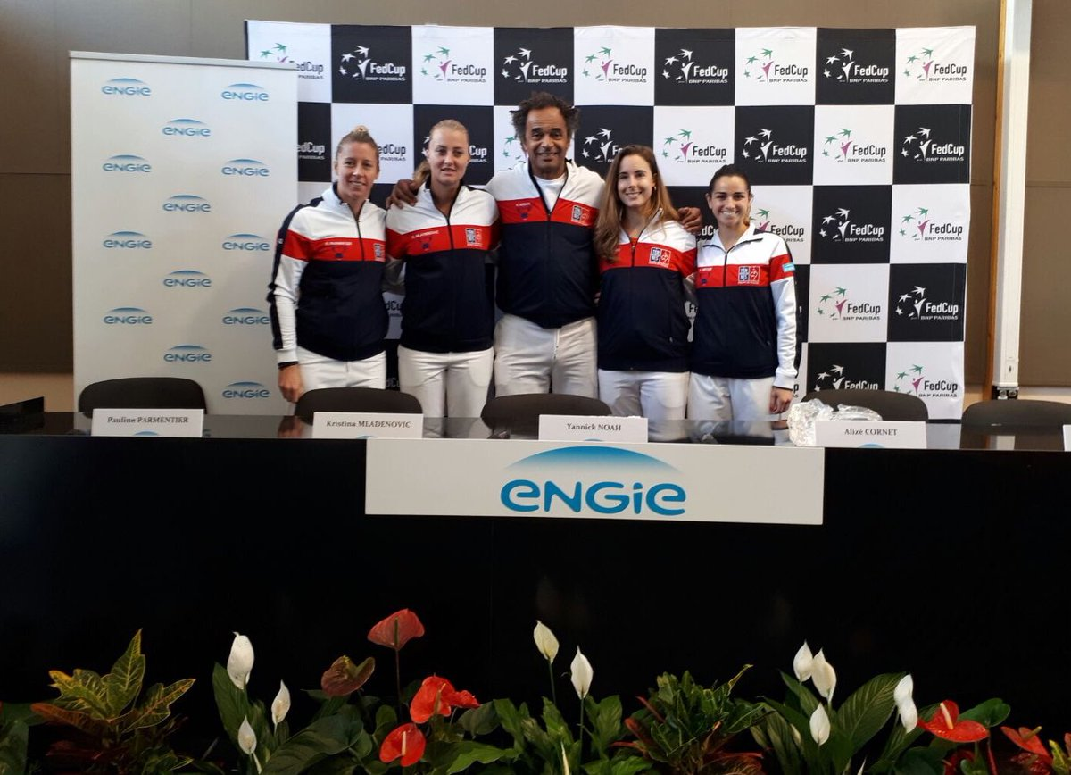 FED CUP 2017 : Barrages World Group et World Group II  - Page 4 C9yghp7WsAA52Zx