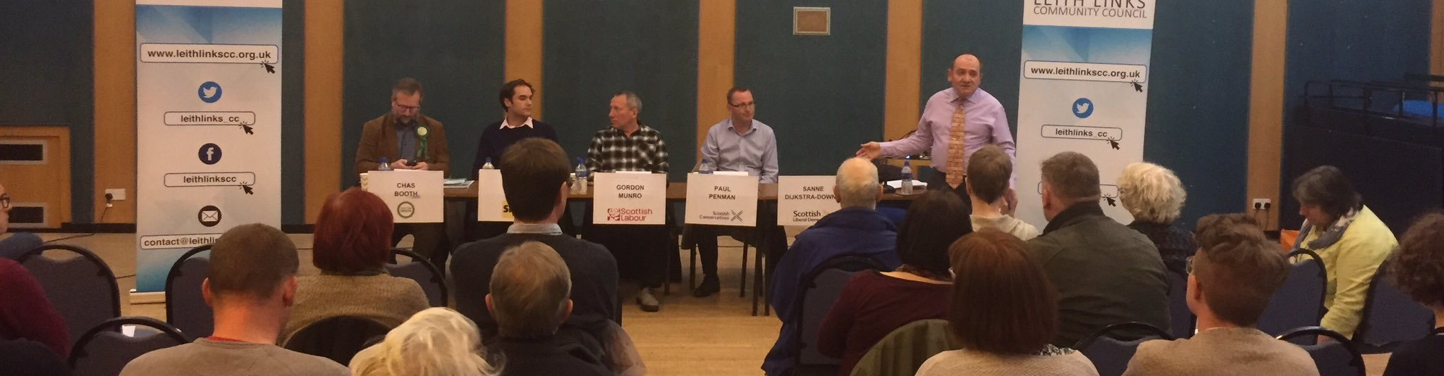 Chairman Jim welcomes everyone and gets the hustings started. #LeithHustings #Leith https://t.co/znbRWSvIvD