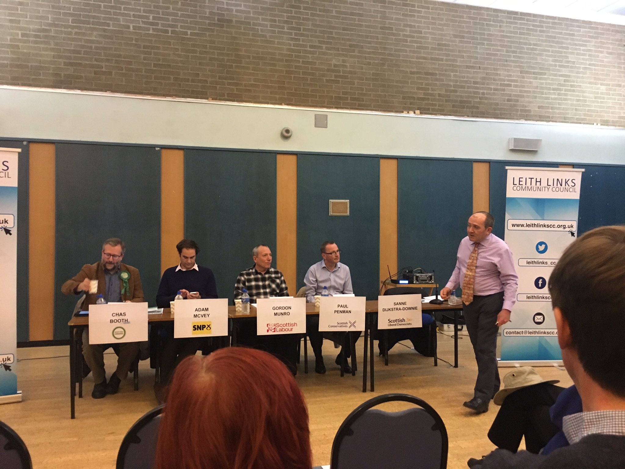 It's kick off time at #leithhustings - the Lib Dems empty chaired as no show, must be off campaigning in Edinburgh West... https://t.co/QwrVscoCZC