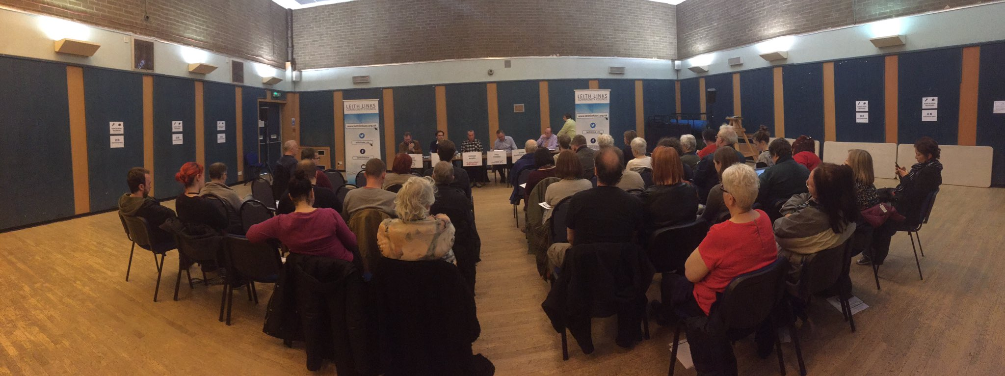 33 members of our community at our hustings tonight. #LeithHustings #Leith https://t.co/LSn2F02vEz