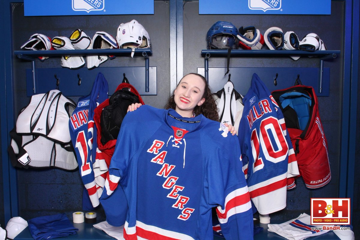 Check out my photos from RangersTown Square https://t.co/zBOcdwfwEB