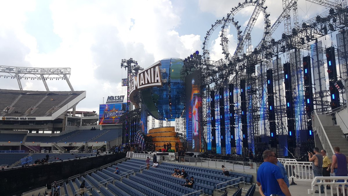 The #Wrestlemania 33 stage design reportedly cost around $6M in total (Including construction). <br>http://pic.twitter.com/MM8lhncdbF