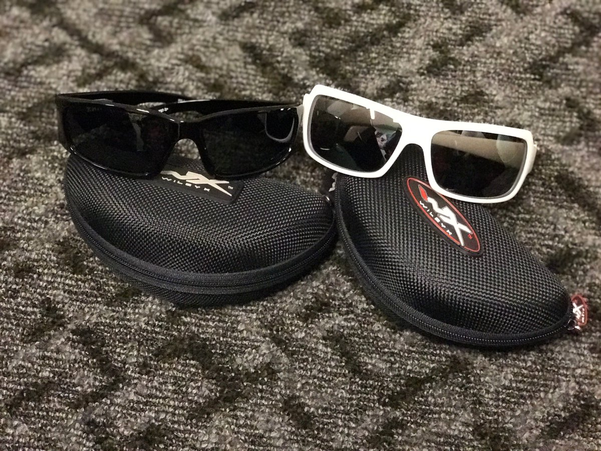 Retweet and follow me to win his and hers @wileyx glasses. One winner selected at random in 4 hours. #WinItWednesday
