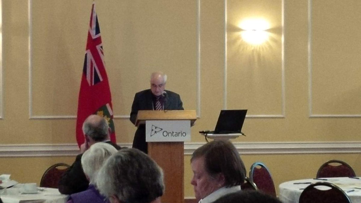 We're at the 1st @OntMMAH #landuseON consultation in Kitchener. Being welcomed by MPP Lou Renaldi. http://t.co/iQsLIM1sDr