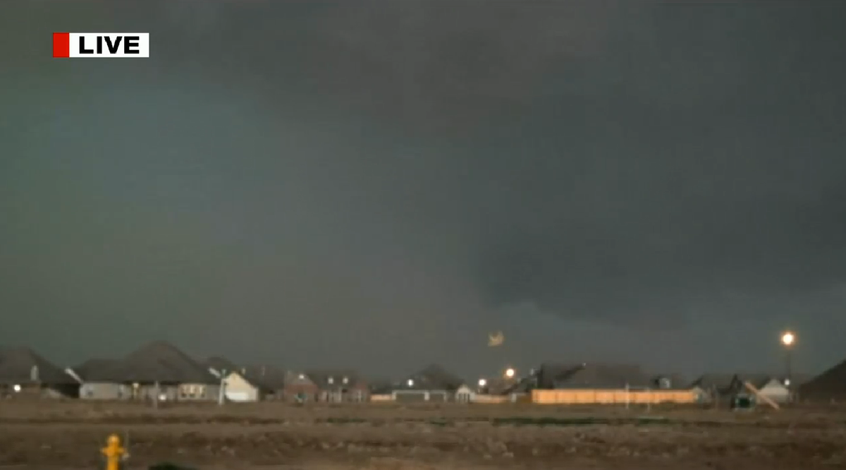 Catoosa Tulsa : dangerous Tornado warned storm Catoosa east