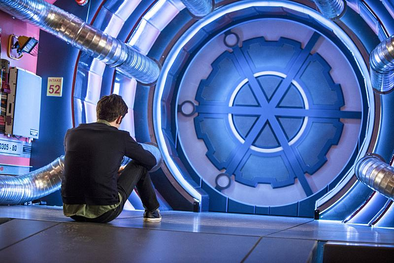 """First look at #TheFlash episode 17, """"Tricksters."""" Mark Hamill! http://t.co/pLoTKE2BXo"""